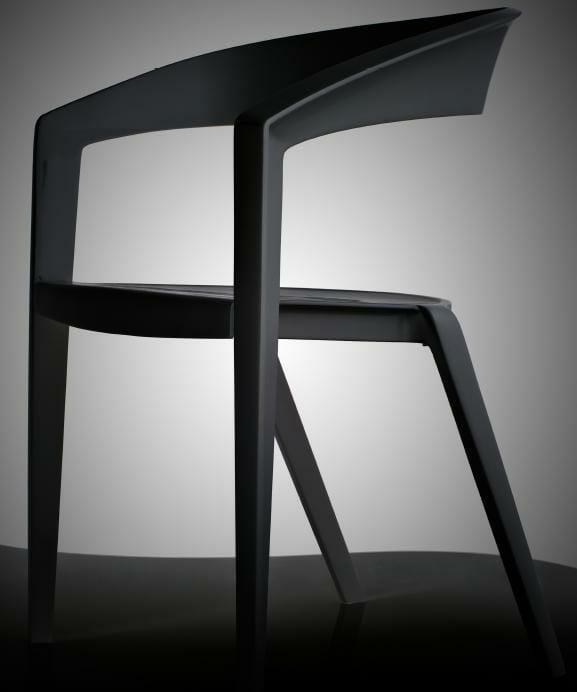 720 – Cadeira IC01